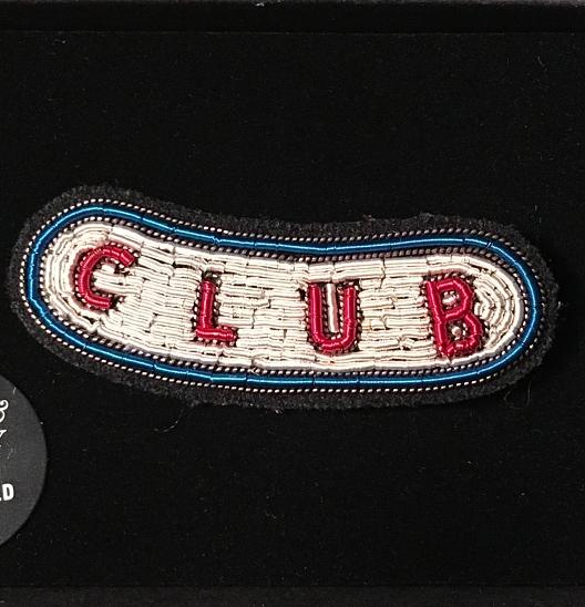 broche brodée main club Macon et Lesquoy geneve le Colibry concept store